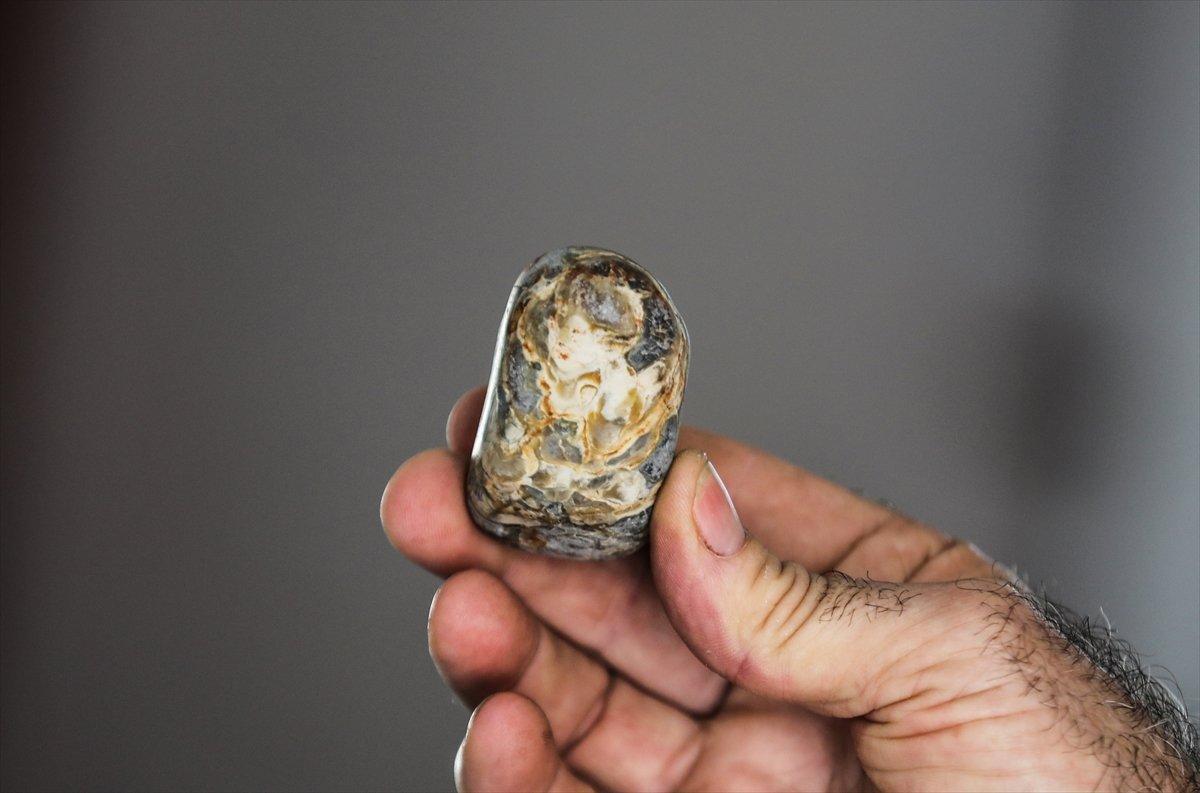 Gazze de topladığı taşlarla koleksiyon yaptı #7