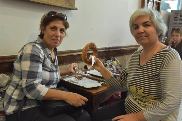 İzmirliler: Oxford a simitin yanında gevrek de girsin #5