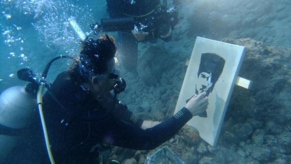 Su altında Atatürk portresi çizdiler #4